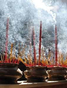 Encens-fumee / Purification d'un par le Reiki Montréal